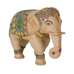 elefante de madera tallado