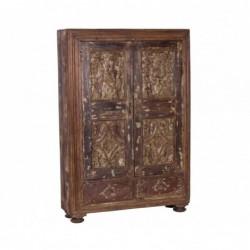 armario de madera tallado